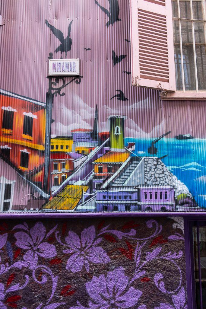 Close up street art Valparaíso Chile