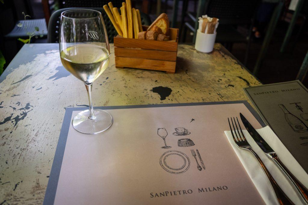 Selvpåført matkoma i Milano