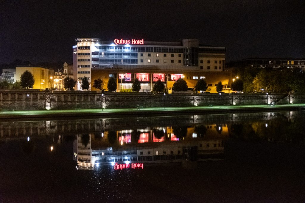 Krakow, Poland, street, hotel, Qubus, Wisla, river, night, reflection